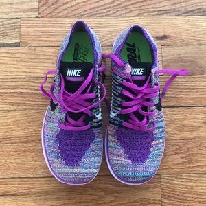 Nike Shoes - Nike Free Run Flyknit